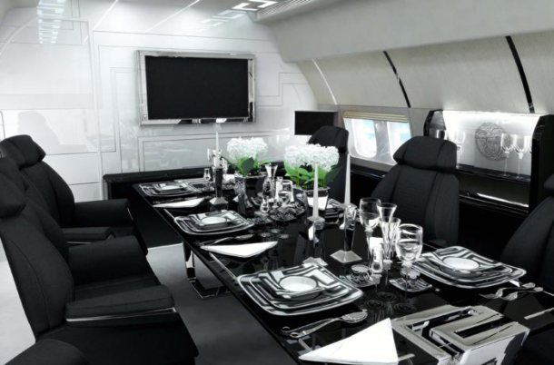 Virginia Duran Blog_ Amazing - Aircraft-Interior-Design-Versace-Tag-4