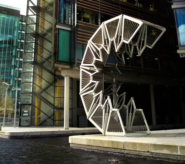 Virginia Duran Blog_Rolling_Bridge- London
