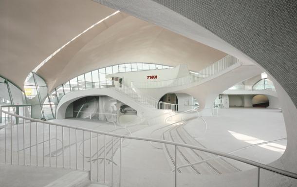 Virginia Duran Blog- Amazing Airports- TWA Terminal NY by Eero Saarinen Interior