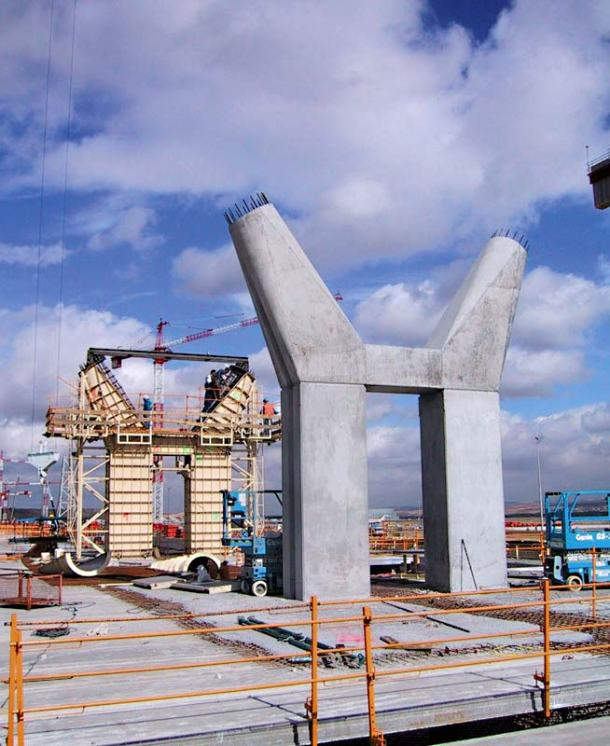 Virginia Duran Blog- Richard Rogers + Estudio Lamela- Madrid Airport- Construction-Exterior
