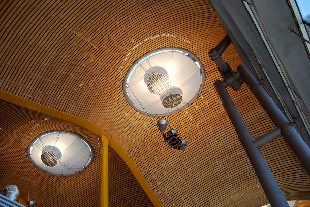 Virginia Duran Blog- Richard Rogers + Estudio Lamela- Madrid Airport- Detail Light