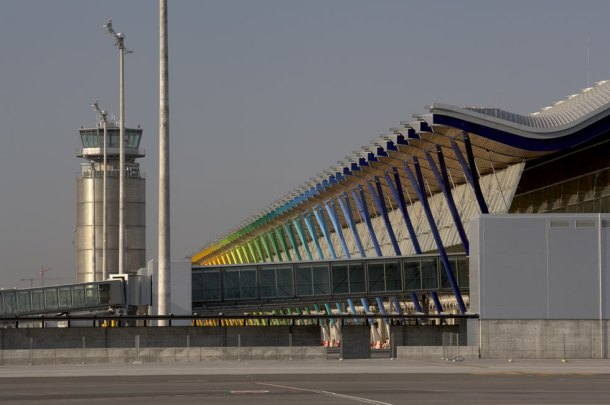 Virginia Duran Blog- Richard Rogers + Estudio Lamela- Madrid Airport- Facade 2