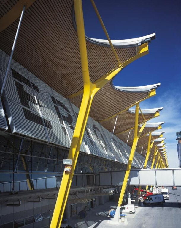 Virginia Duran Blog- Richard Rogers + Estudio Lamela- Madrid Airport- Facade