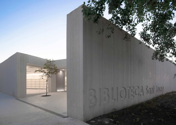 Virginia Duran Blog- Amazing Libraries-Sant-Josep-by-Ramon-Esteve-Estudio Exterior