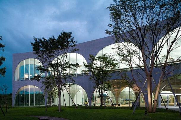 Virginia Duran Blog- Amazing Libraries-Tama Art University Library by Toyo Ito Exterior