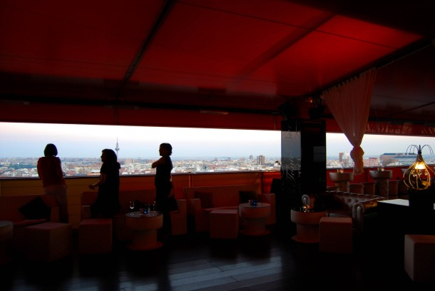 Virginia Duran Blog- Best Rooftops of Madrid- Hotel Silken Puerta de America- Interior