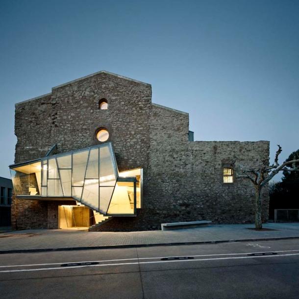 Virginia Duran Blog - Art and Architecture Blogs for Inspiration - convent-de-sant-francesc-hovercraftdoggy