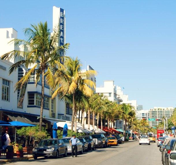 Virginia Duran Blog- Miami-Photography- Art Deco Breakwater Hotel - Ocean's Drive