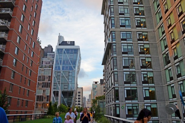 Virginia Duran Blog- Amazing Buildings You Shouldn't Miss Around The High Line- HL23 Apartments by Niel Denari New York