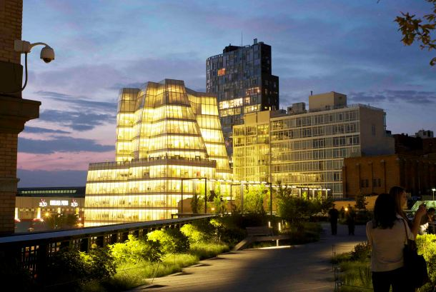Virginia Duran Blog- Amazing Buildings You Shouldn't Miss Around The High Line- IAC building by Frank Gehry night New York