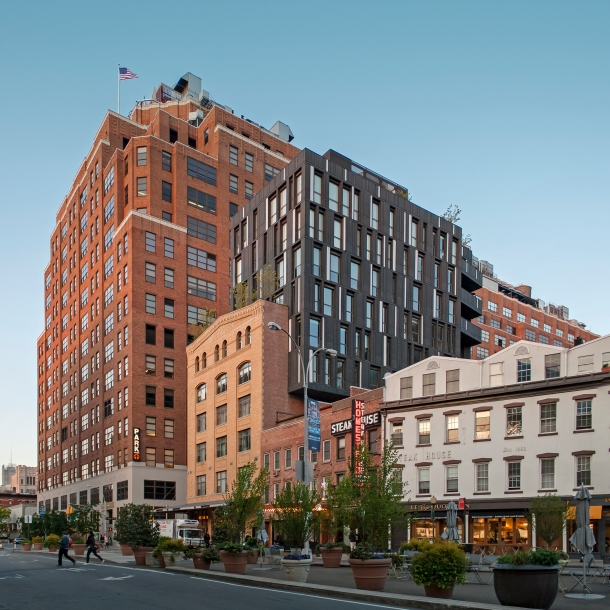 Virginia Duran Blog- Amazing Buildings You Shouldn't Miss Around The High Line- Porter House by ShoP Architects Day New York