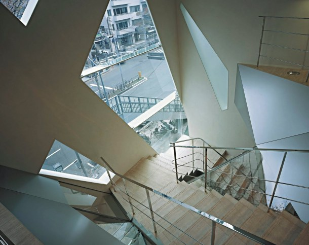 Virginia Duran Blog- 20 Amazing Fashion Stores Designed by Famous Architects- TODS by Toyo Ito Interior