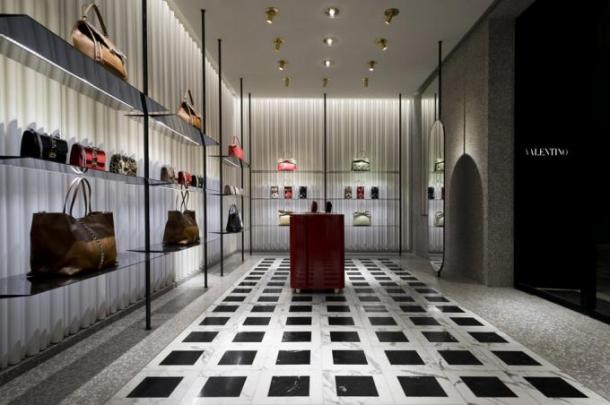 Virginia Duran Blog- 20 Amazing Fashion Stores Designed by Famous Architects- Valentino Miln by David Chipperfield Interior