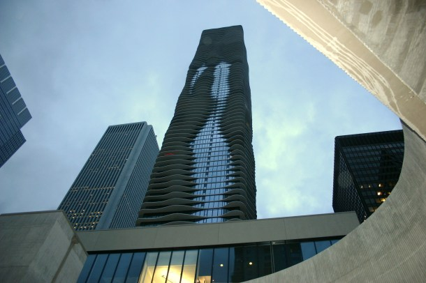 Virginia Duran Blog- Chicago Best Buildings for Architects - Aqua Tower by Studio Gang