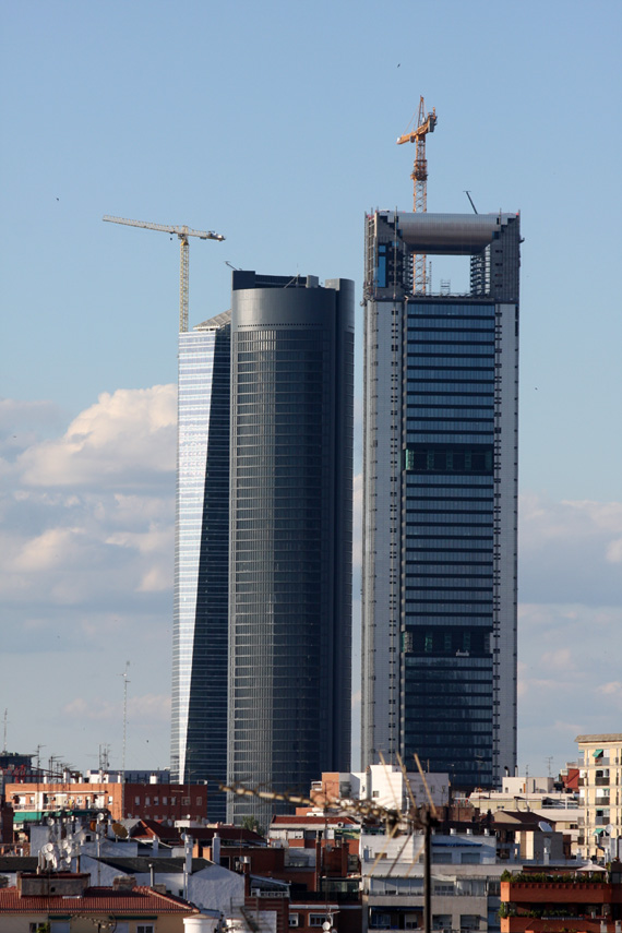 Virginia Duran Blog- Photography 10 Great Buildings Under Construction- Caja Madrid Tower Foster and Partners 0