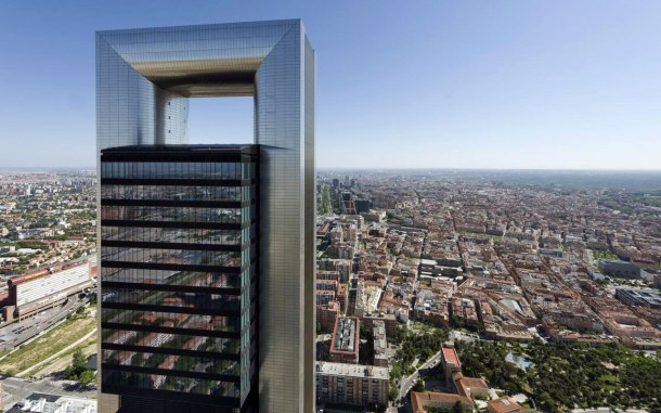 Virginia Duran Blog- Photography 10 Great Buildings Under Construction- Caja Madrid Tower Foster and Partners