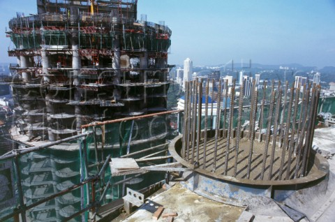 Virginia Duran Blog- Photography 10 Great Buildings Under Construction- Petronas Towers by Cesar Pelli 1