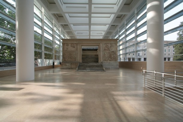 Virginia Duran Blog- The 8 Newest Buildings of Rome- Ara Pacis Museum by Richard Meier (2005) Interior