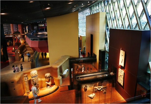 Virginia Duran Blog- Amazing and Colorful Buildings- Musée du Quai Branly by Jean Nouvel- Interior
