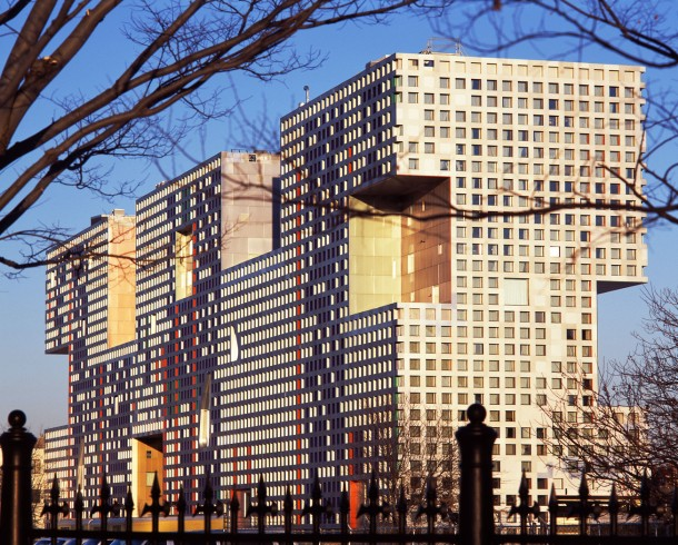 Virginia Duran Blog- Amazing and Colorful Buildings- Simmons Hall by Steven Holl