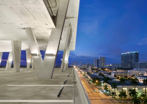 Virginia Duran Blog- 23 Spots You Shouldn't Miss in Miami If You Love Architecture- 1111 Lincoln Road by Herzoy and de Meuron