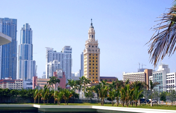 Virginia Duran Blog- 23 Spots You Shouldn't Miss in Miami If You Love Architecture- Freedom Tower by George A. Fuller, Schultze & Weaver