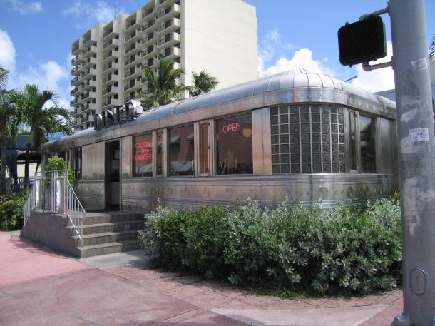Virginia Duran Blog- Miami- The Best Art Deco Architecture-11th St. Diner
