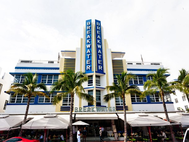 Virginia Duran Blog- Miami- The Best Art Deco Architecture- Breakwater Hotel by Anton Skislewicz