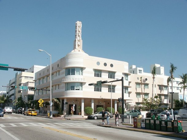 Virginia Duran Blog- Miami- The Best Art Deco Architecture- Essex House Hotel by Henry Hohauser