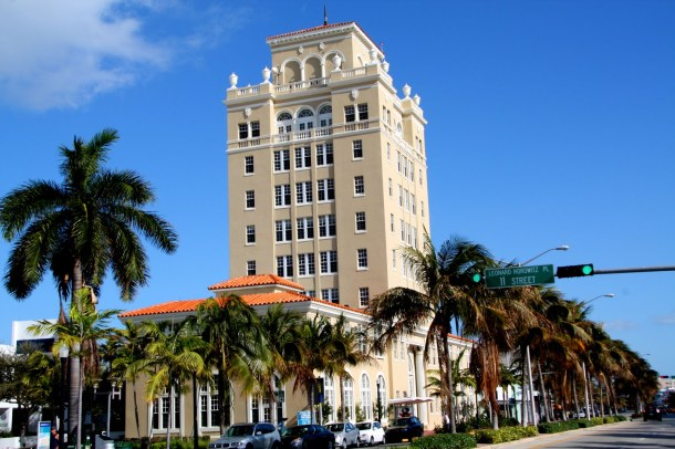 Virginia Duran Blog- Miami- The Best Art Deco Architecture- Old City Hall by Martin Luther Hampton
