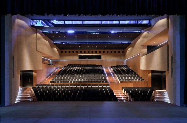 Virginia Duran Blog- Spanish Architecture- Huelva- Teatro Almonte en Huelva by Donaire Interior
