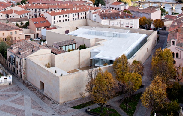 Virginia Duran Blog- Spanish Architecture- Zamora- Oficinas by Campo BAeza- Exterior