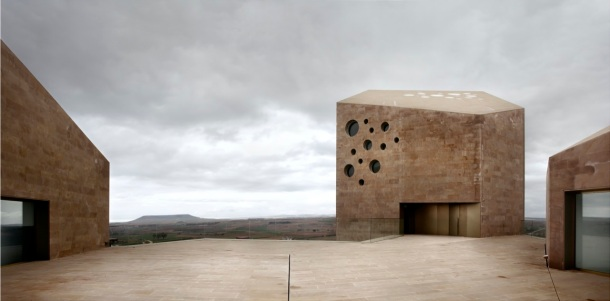 Virginia Duran Blog- Spanish Architecture- Burgos- Oficinas Ribera del Duero by Estudio Barozzi Veiga- Back Side