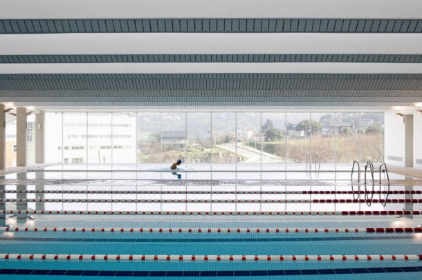 Virginia Duran Blog- Spanish Architecture- Orense- Piscina Universitaria Ourense by Francisco Mangado- Interior