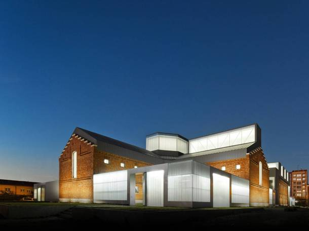 Virginia Duran Blog- Spanish Architecture- Palencia- Centro Cívico Cultural de Palencia by EXIT Architects- side
