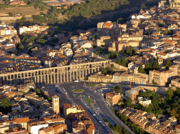 Virginia Duran Blog- Spanish Architecture- Segovia- Acueduct- Aerial view