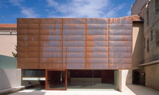 W: Fassade/ Innenhof