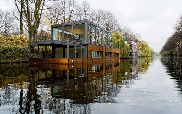 Virginia Duran Blog- Floating Homes- Houseboat On The Eilbek Canal by Sprenger Von Der Lippe