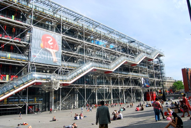 Virginia Duran Blog-Buildings in Paris if you Love Architecture-Centre Georges Pompidou- Renzo Piano