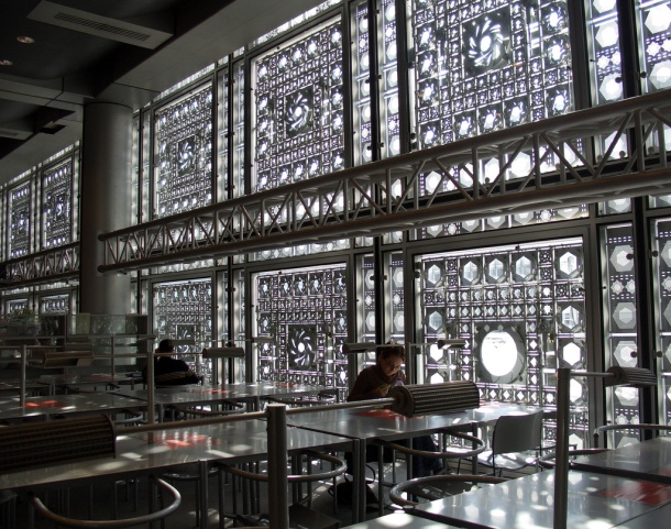 Virginia Duran Blog-Buildings in Paris if you Love Architecture-Institud du Monde Arabe-Jean Nouvel-interior