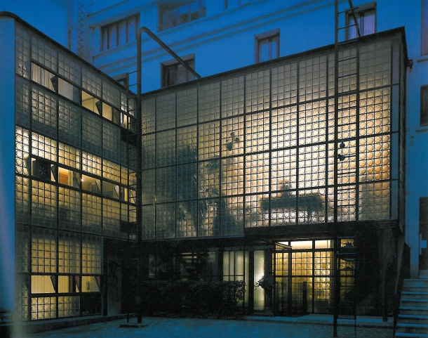 Virginia Duran Blog-Buildings in Paris if you Love Architecture- Maison de Verre-exterior
