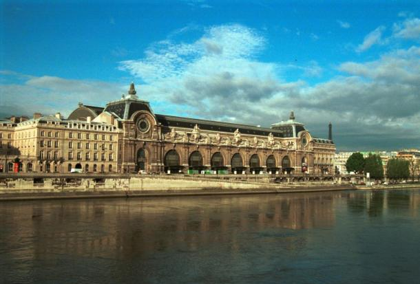Virginia Duran Blog-Buildings in Paris if you Love Architecture- MUsee d'Orsay-exterior
