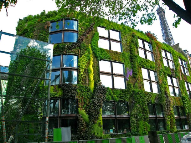 Virginia Duran Blog-Buildings in Paris if you Love Architecture- Musee du quai branly by Jean Nouvel-green wall