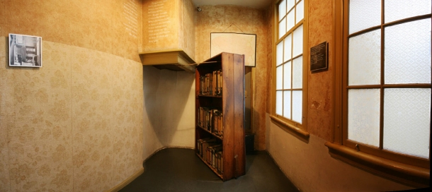 Virginia Duran Blog-Amazing architecture Amsterdam-Anne Frank Huis-interior