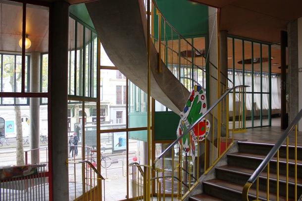 Virginia Duran Blog-Amazing architecture Amsterdam-Hubertus House by van Eyck-interior