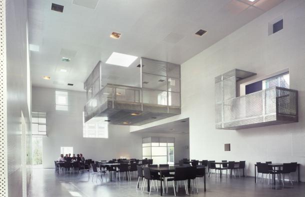 Virginia Duran Blog-Amazing architecture Amsterdam-Sarphatistraat Offices