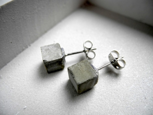 Virginia Duran Blog- 12 Cool Concrete and Cement DIY Designs- Earrings