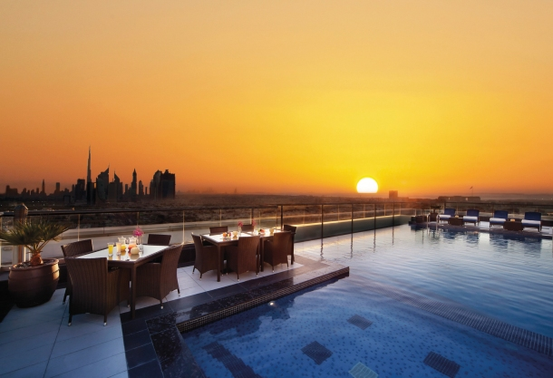 Virginia Duran Blog- 10 Sites To Take The Best Skyline Pictures in Dubai- Park Regis Kris Kin Hotel