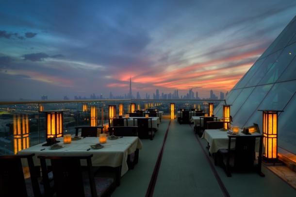 Virginia Duran Blog- 10 Sites To Take The Best Skyline Pictures in Dubai- TOMO Lounge Dubai