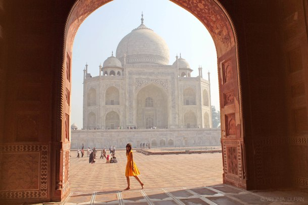 virginia-duran-blog-amazing-taj-mahal-wallpaper-yellow-dress